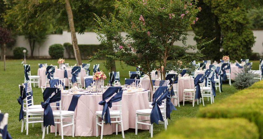 Сватбена украса - синьо и блъш