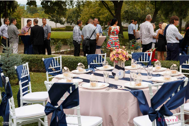 Сватбена украса - синьо и blush