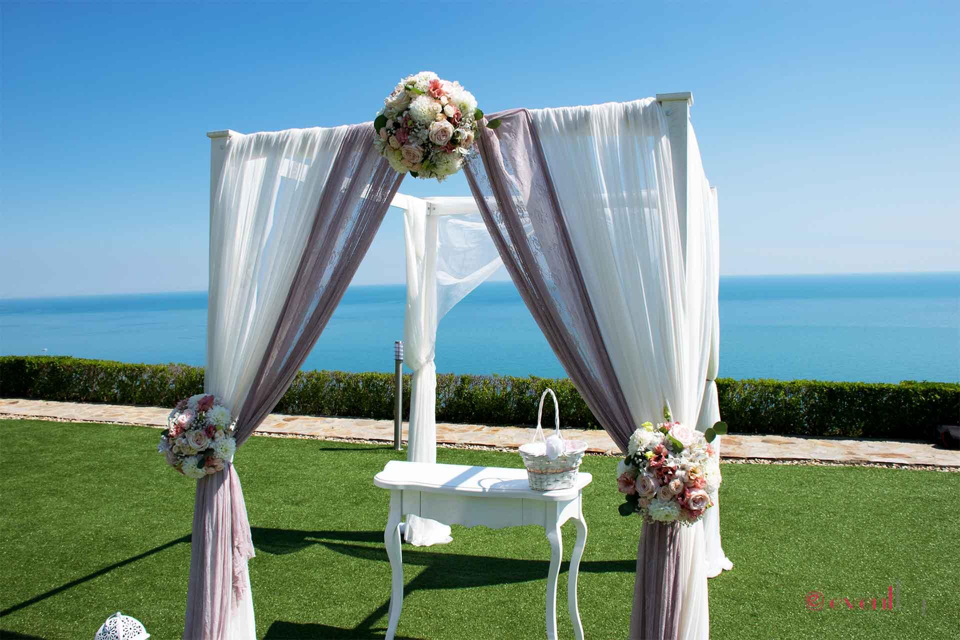 Сватбена арка и украса