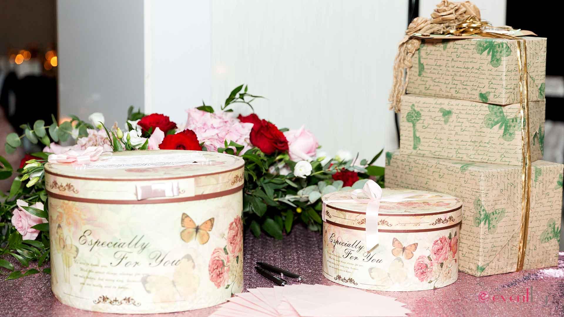 Декорация на маса за подаръци